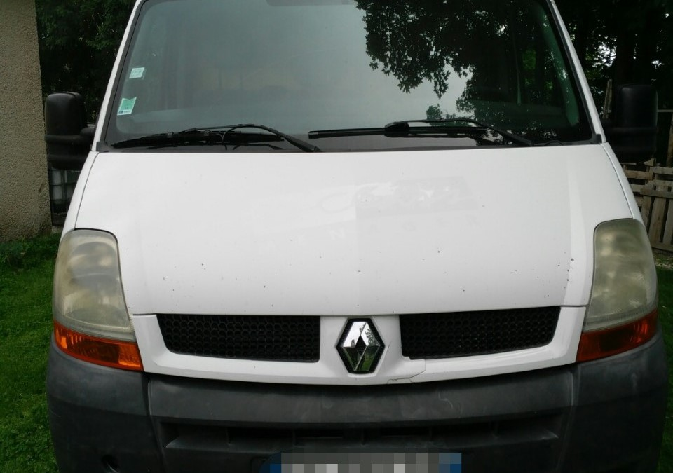RENAULT Master II phase 2 2.5 dCi Fourgon 100cv